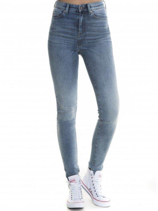 1935fe5874738 Jeansy damskie - kolekcja spodni jeansowych | BIG STAR - Odzież damska -  najnowsza kolekcja jeansy, koszulki t-shirty | BIG STAR - | BIG STAR