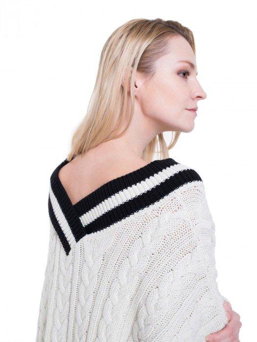 Swetry damskie oversize, ze stójką i z golfem
